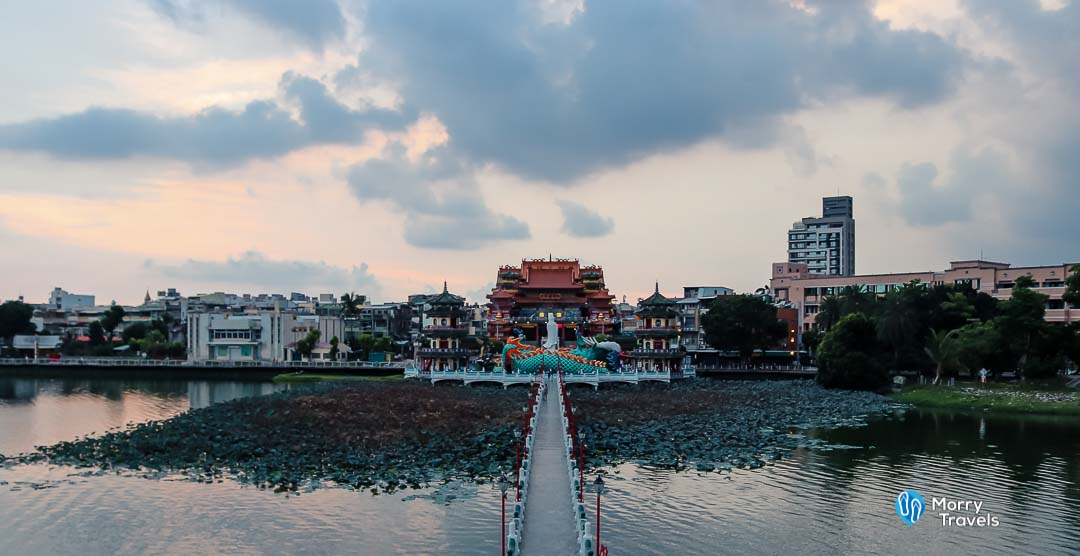 Morry Travels - Top Places to Visit in Kaohsiung - Dragon Tiger Pagoda - Lotus Lake