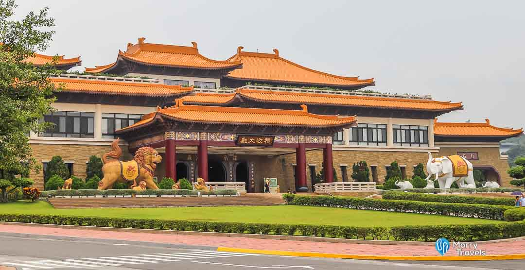 Morry Travels - Top Places to Visit in Kaohsiung - Fo Guang Shan Monastery