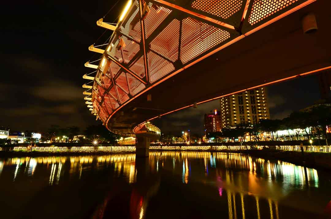 Morry Travels - Top Places to Visit in Kaohsiung - Love River Ai He