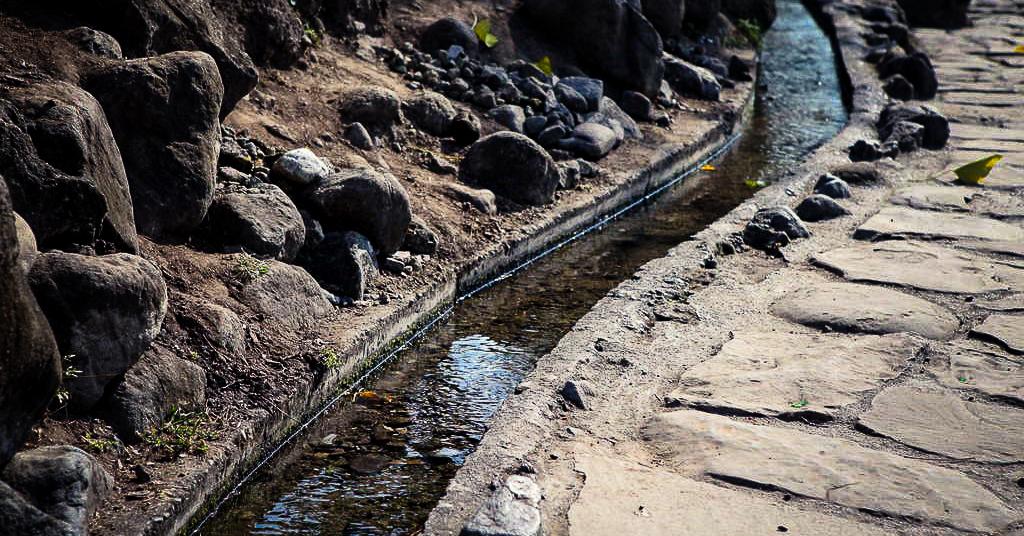 Morry Travels Taitung Water Running Upward